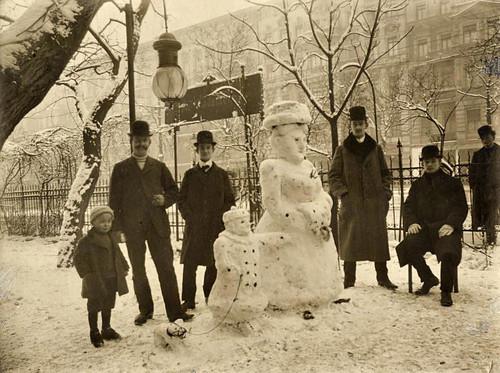 black-and-white-snow-snowman-vintage-winter-Favim_com-158977